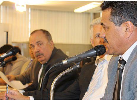 Emidinho quer menos burocracia no setor de piscicultura http://www.passosmgonline.com/index.php/2014-01-22-23-07-47/geral/5811-emidinho-quer-menos-burocracia-no-setor-de-piscicultura