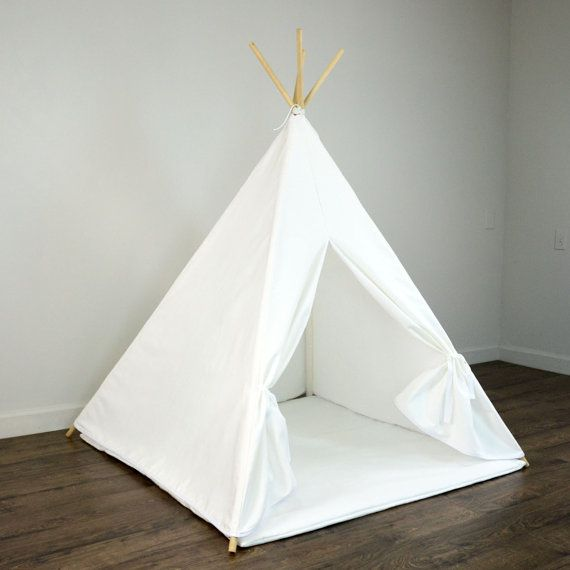 kids play teepee tent and play mat in solid plain white cotton canvas kids room. Black Bedroom Furniture Sets. Home Design Ideas