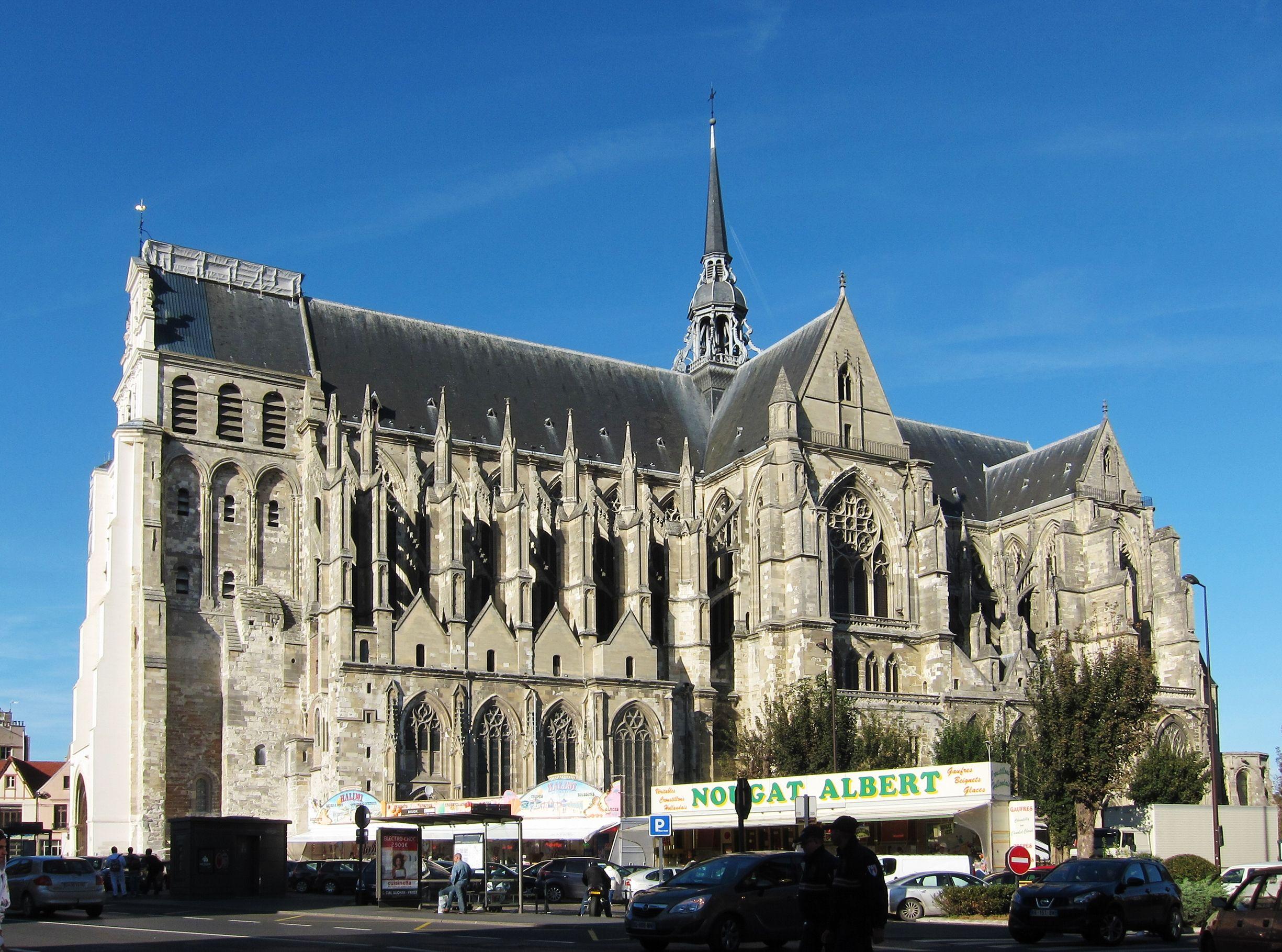 St Quentin Geschiedenis Kerken