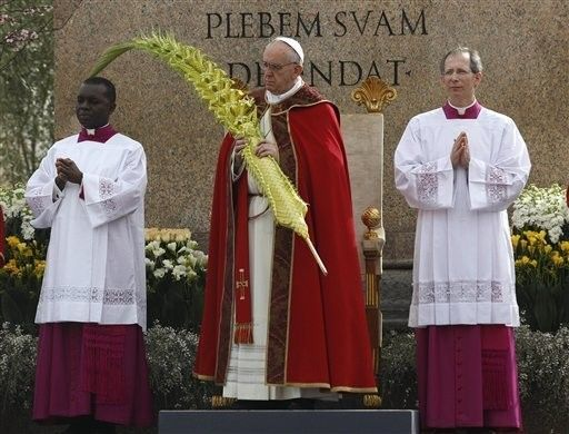 #PopeFrancis celebrates Palm Sunday Mass at St. Peter's Square.