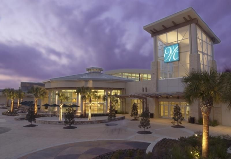 A Houston Mainstay Memorial City Mall Is Shiny New And Very Shoppable After An Extreme Makeover That Brought A Wealth Of N City Extreme Makeover House Styles
