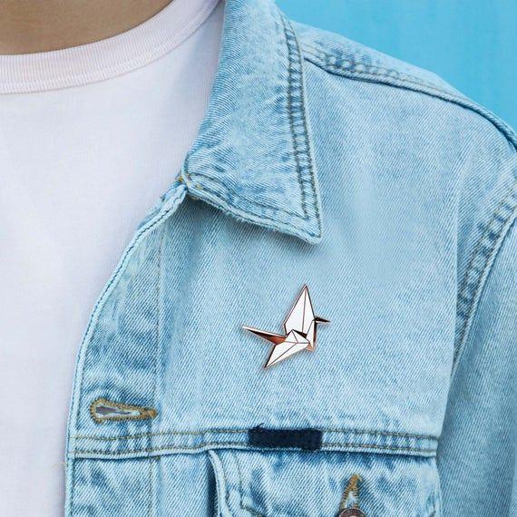 Photo of Origami Schwan Emaille Pin / Papier Vögel