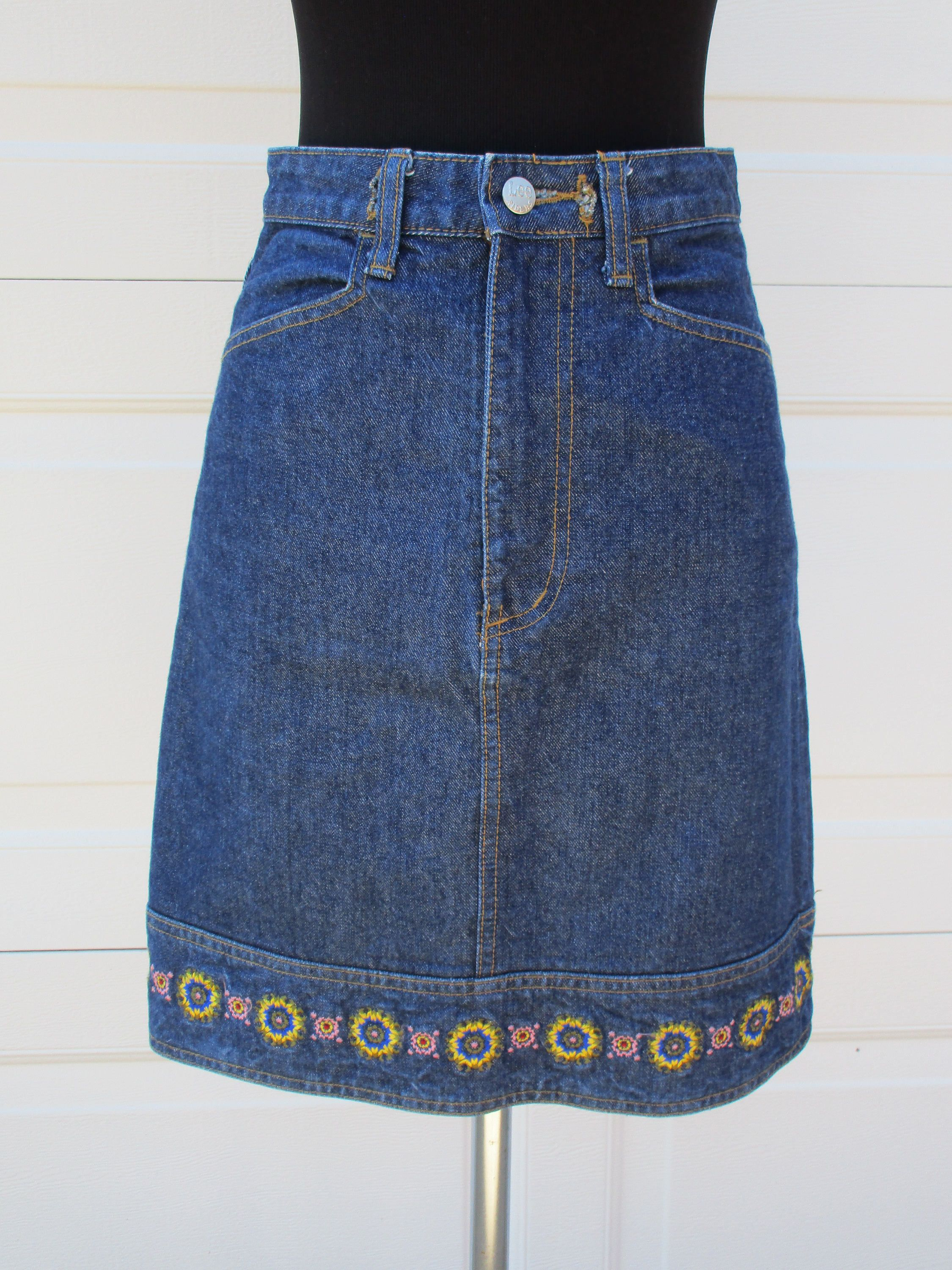 25d73b476 Jean Skirt With Embroidered Flowers