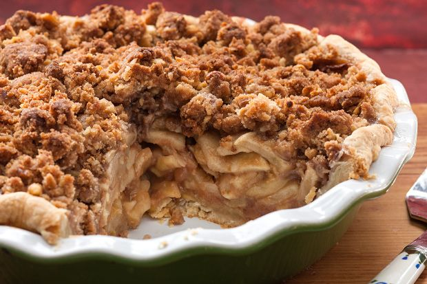 """""""A simple dessert that's great served with ice cream.""""  Ingredients     10 cups all-purpose apples, peeled, cored and sliced   1 cup white sugar   1 tablespoon all-purpose flour   1 teaspoon ground cinnamon   1/2 cup water   1 cup quick-cooking"""