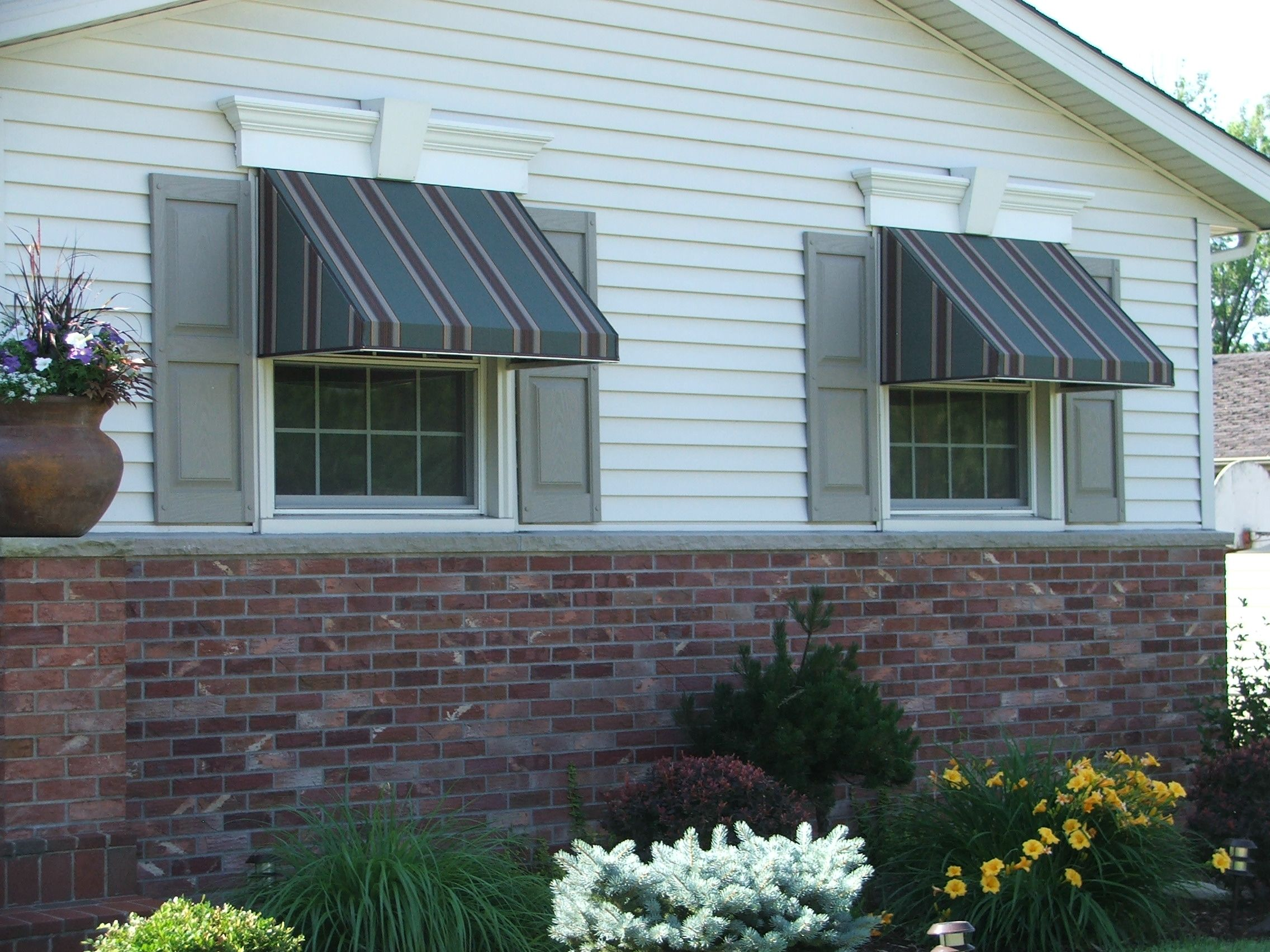 dk home products davenport ia a quad cities awning manufacturer