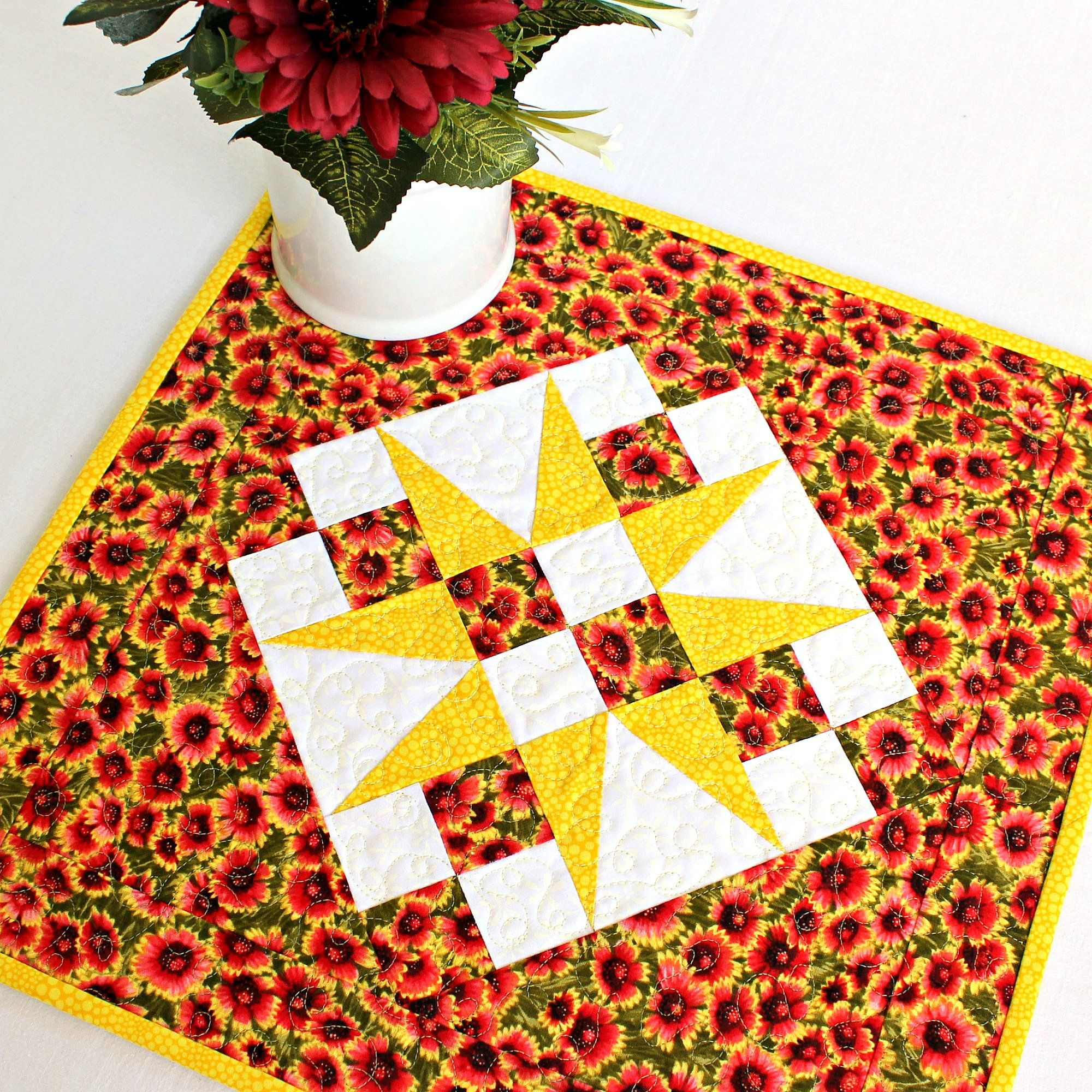 Quilted Table Topper Firewheel Flowers Etsy in 2020