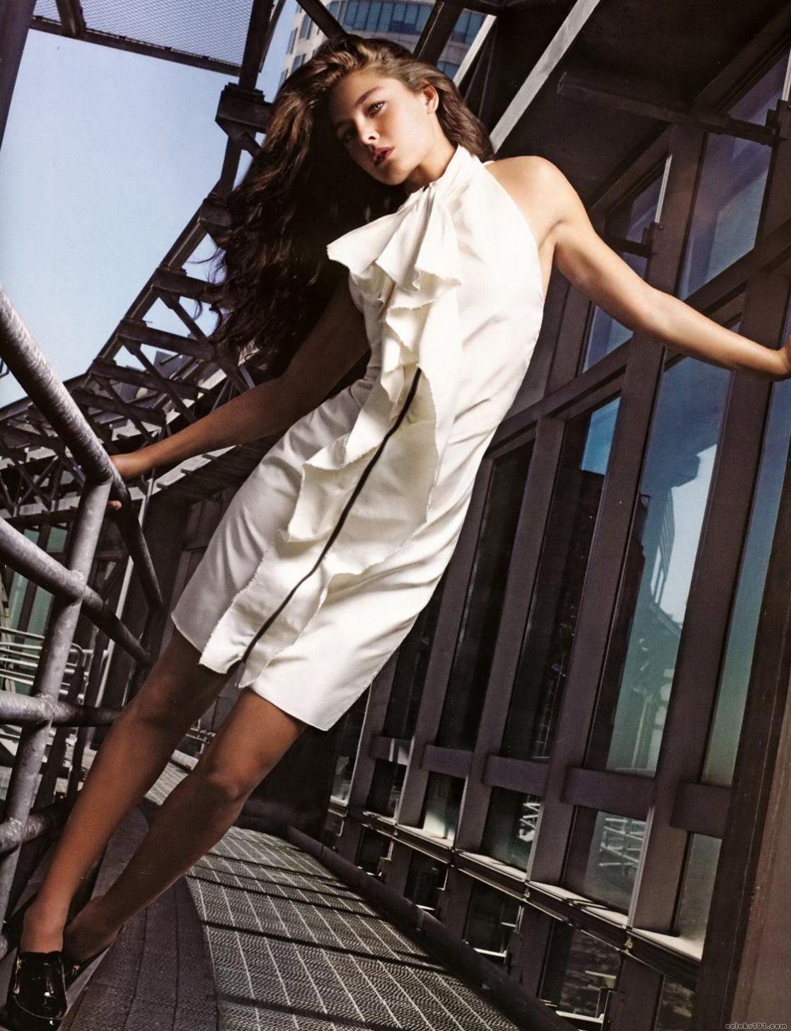 Alexa Davalos | Alexa davalos, Perfect woman, Model
