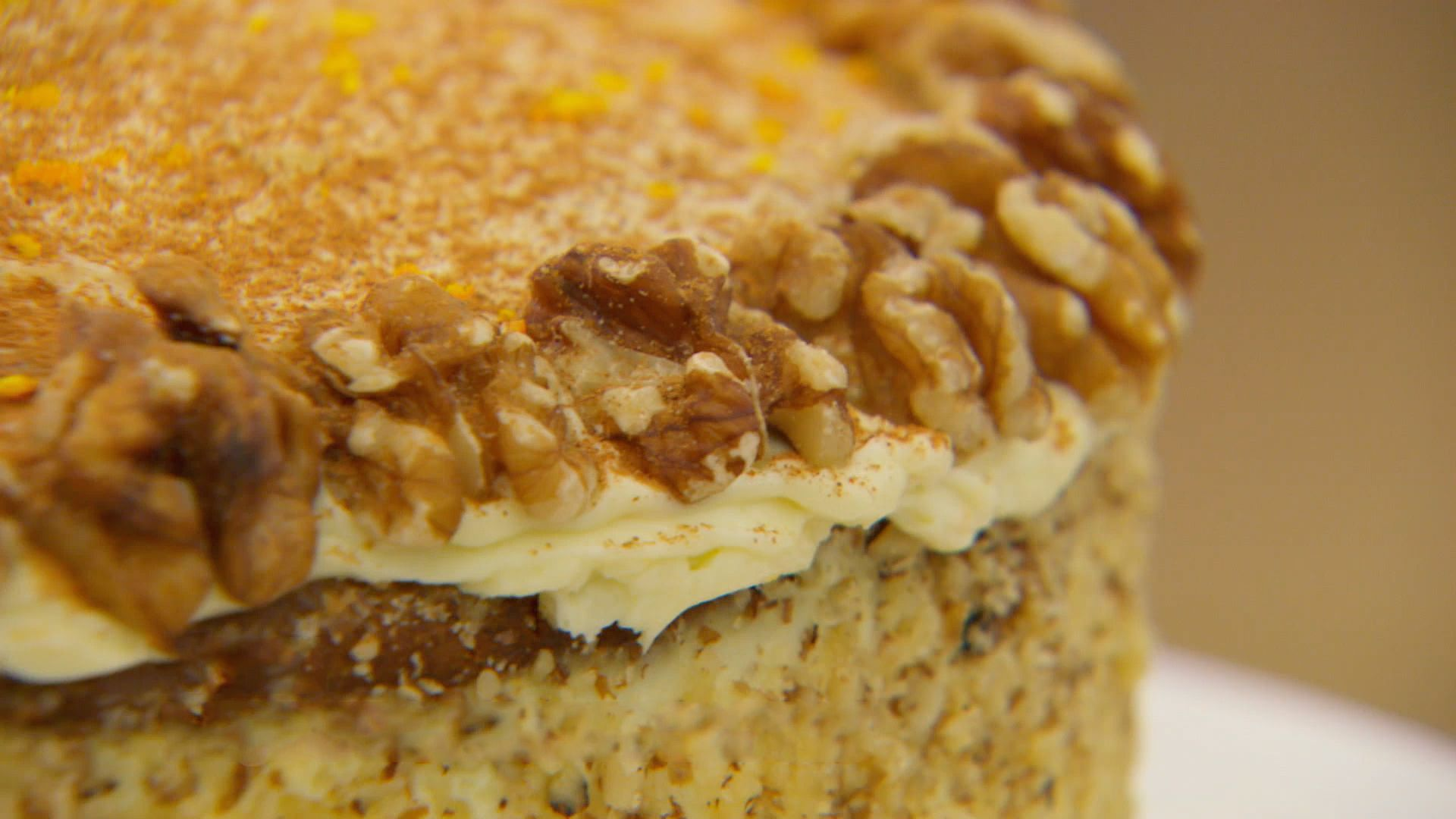 Get mats recipe for a sugarfree carrot cake from season
