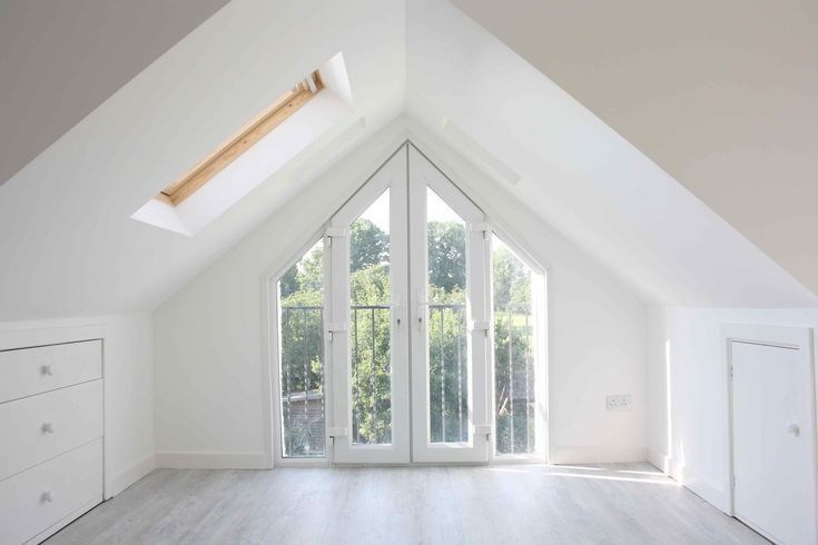 Park Road zweites Schlafzimmer - viel Licht, große Fenster #bedroombalcony