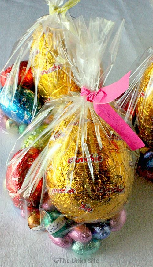 These easter goodie bags look so much more personal than pre boxed these easter goodie bags look so much more personal than pre boxed easter eggs thelinkssite negle Gallery