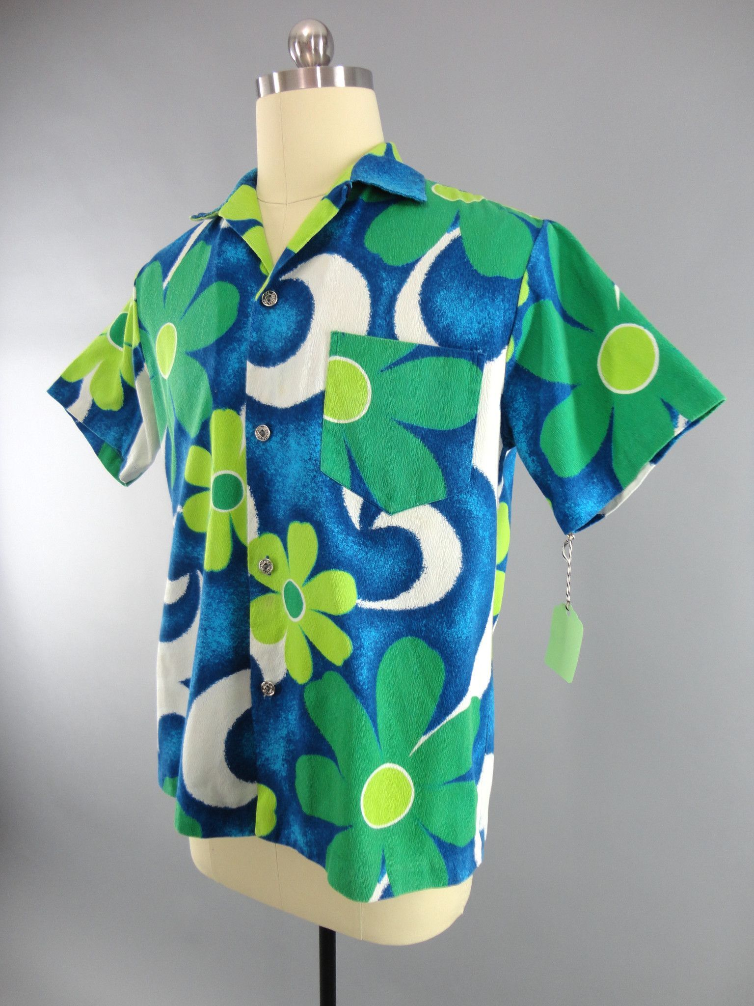 c971e84a Vintage 1960s Aloha Shirt / Royal Hawaiian | Wore it Then - For Men ...