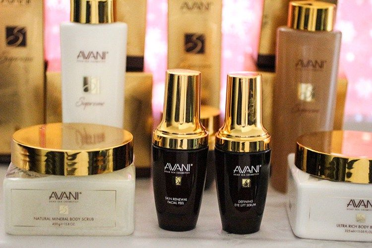 Avani Dead Sea Cosmetics Review - Perfect gift for the beauty in your life! ad