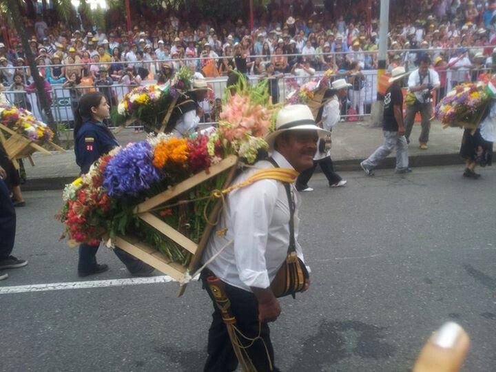 Medellin. Feria de las flores. Desfile de silleteros