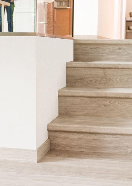 Couvrez vos escaliers avec du stratifié Quick-Step Appartement