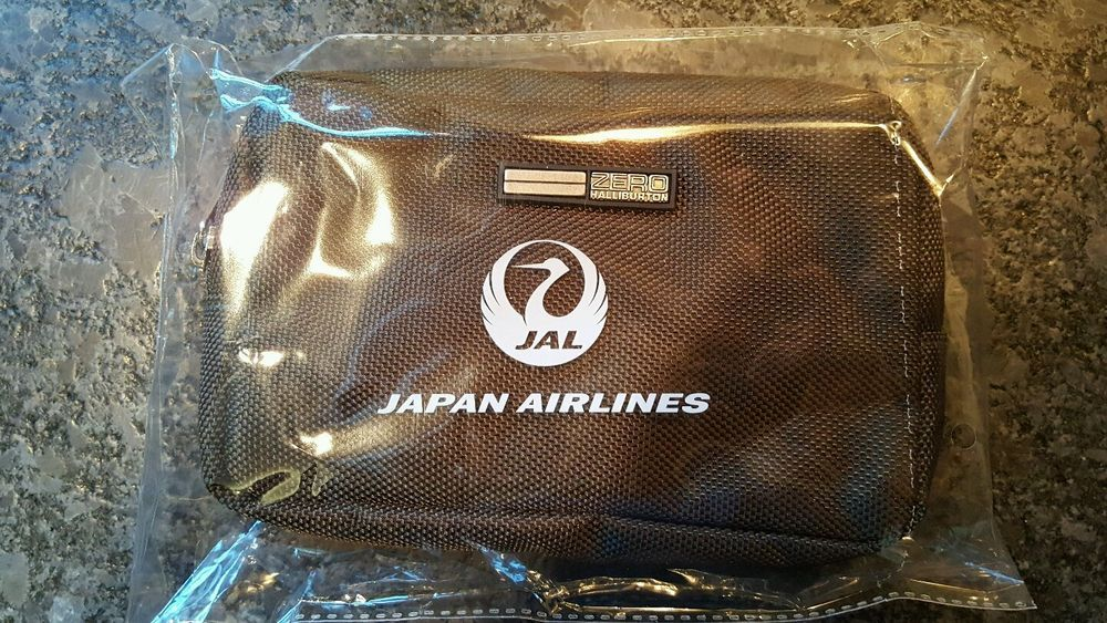 NEW JAPAN AIRLINES LOEWE'S FIRST CLASS AMENITY KIT