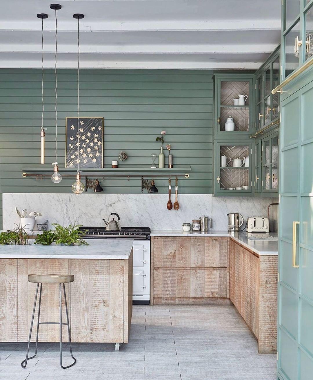 Cuisine marbre bois couleur. Sobre.   Idée déco cuisine, Cuisine ...