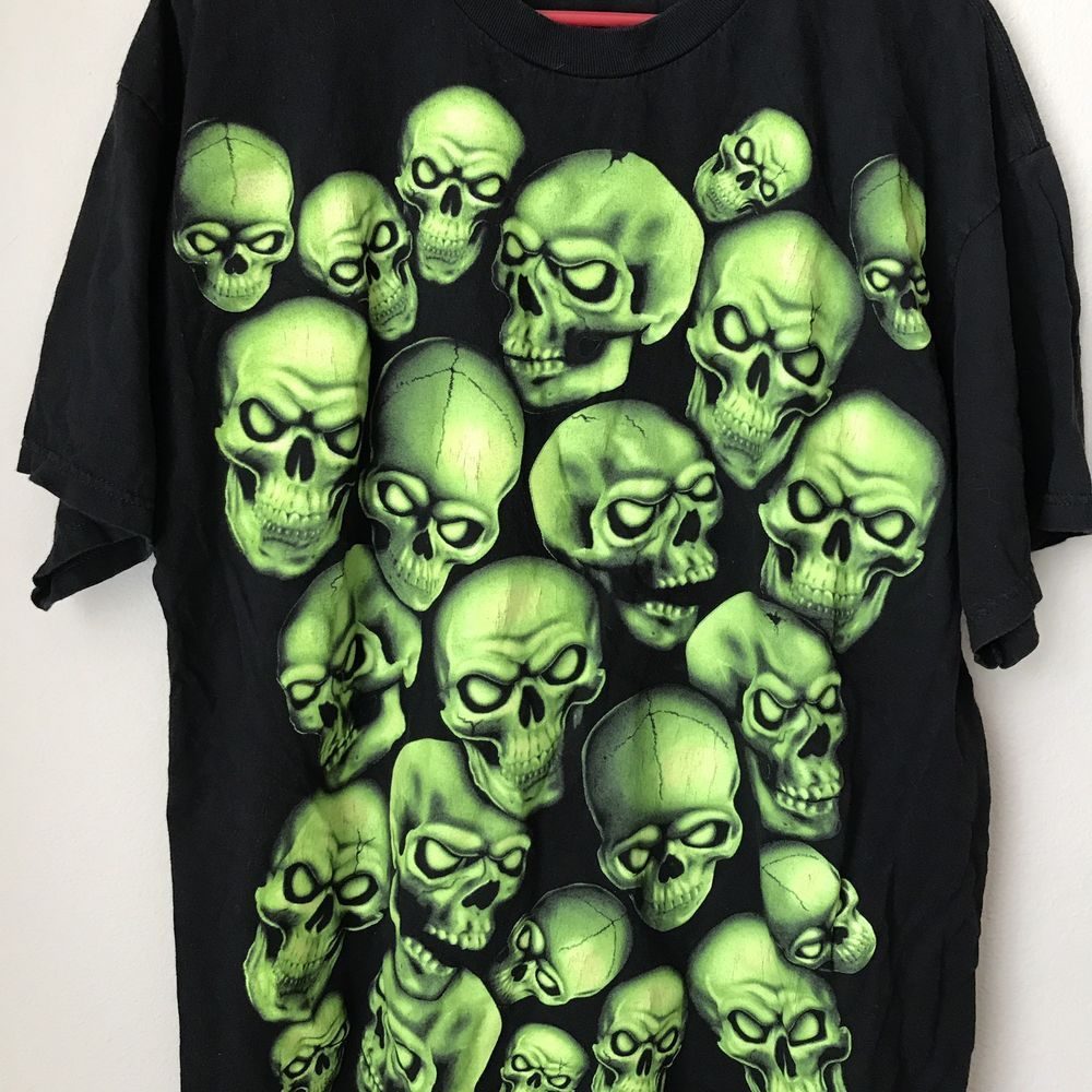 64501d941 Glow In Dark Skulls Halloween Tshirt Size XL Shirt | Clothing, Shoes &  Accessories, Men's Clothing, T-Shirts | eBay!