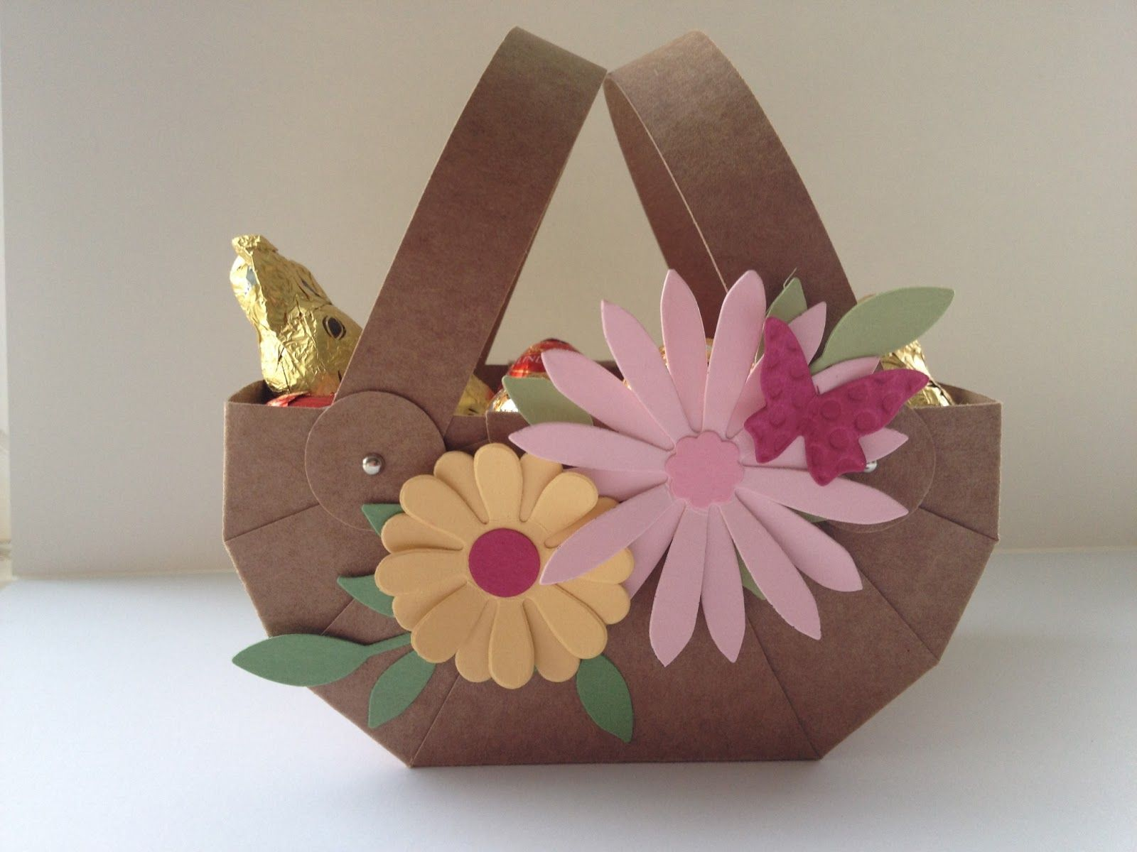 Easter basket decorated with flowers made with Blossom Party die from Stampin' Up!