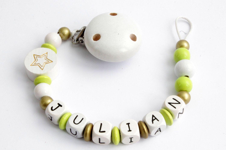 Schnullerkette mit Holzperlen gefertigt // personalisierbar mit Wunschname von AuCrochetDeMarlene auf Etsy