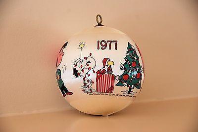 Vintage Hallmark Christmas Satin Balll Ornament 1977 PEANUTS