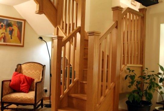 Best Cottage Bungalow Style Staircase Staircase Design View 400 x 300