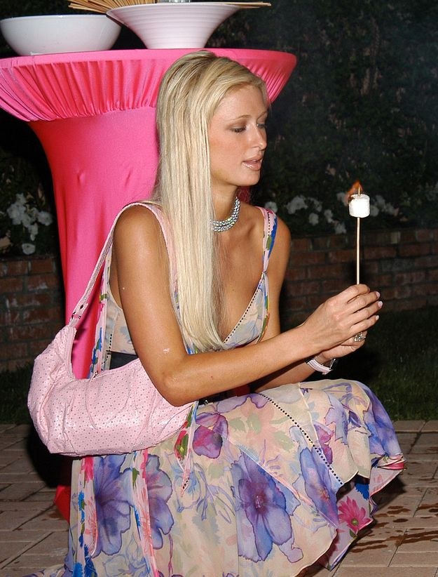 dcf761e4962 She went camping dressed like Sarah Jessica Parker. | 22 Reasons Paris  Hilton Was The Turn-Of-The-Century's Most Important Fashion Icon