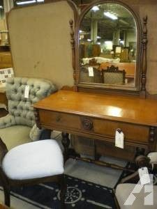 Maple Vanity W/ Mirror HB   $145 (Kutztown)