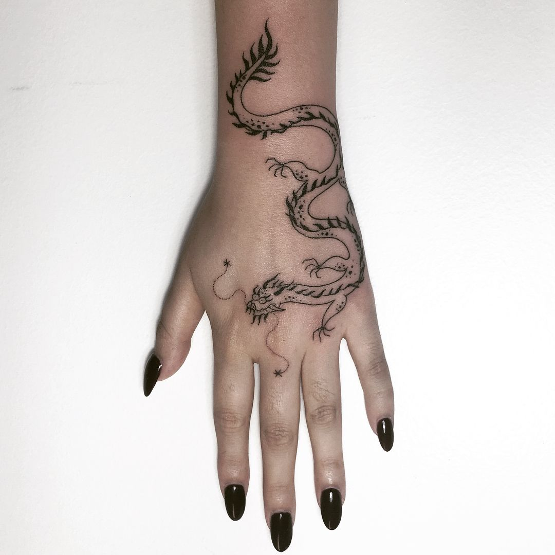 Rawn On Handpoked For Phoebe Dragon Hand Tattoo Hand Tattoos Tattoos