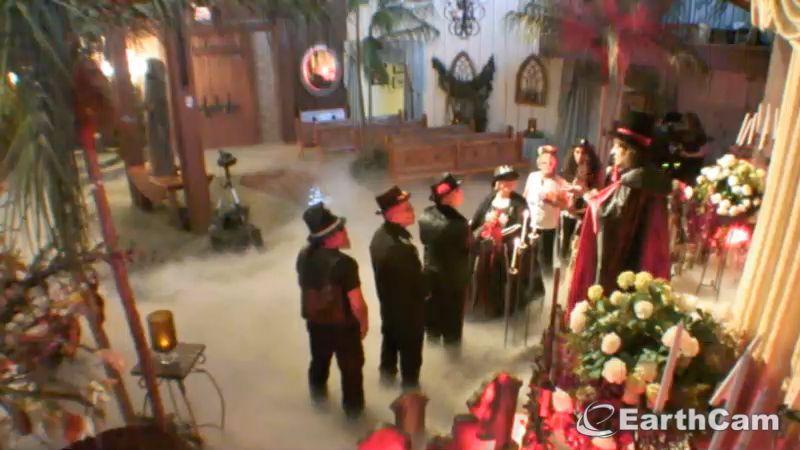 Visit Las Vegas Nv United States With Earthcam S Live Elvis Wedding Chapel Https