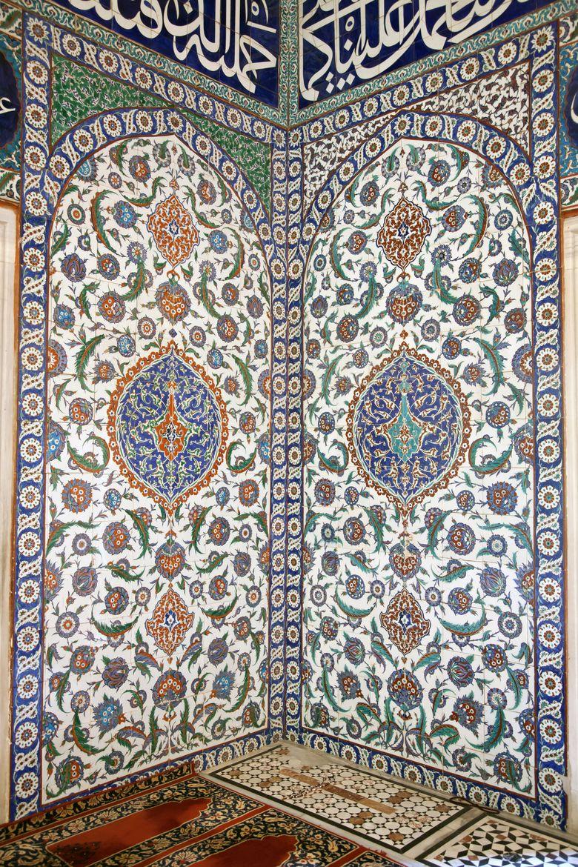 Iznik Tile Detail from wall of Selimiye Mosque, Edirne, Turkey