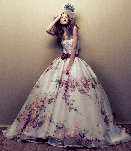 e7d58570351f vestiti da sposa colorati autunno invernali principeschi impero tafettà