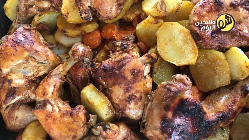 وصفة صحية وخفيفة لتحضير الدجاج المشوي بالفرن من دون إضافة ولا قطرة زيت يمكنكم تحضير هذه الوصفة للدجاج المشوي بدون زيت في حال كنتم ترغبون Recipes Food Chicken