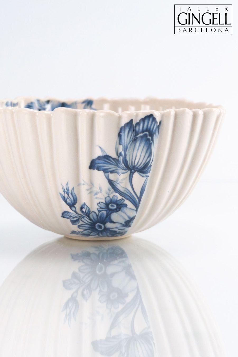 A stoneware bowl with blue decoration today. 😊  Un cuenco de gres con decoración azul hoy. 😊  #handbuiltceramics #ceramicsofinstagram #ceramics #design #tableware #interiordesign #breakfasttime #art #handcrafted #makersgonnamake #healthybreakfast #healthy #handmade #artisan #create