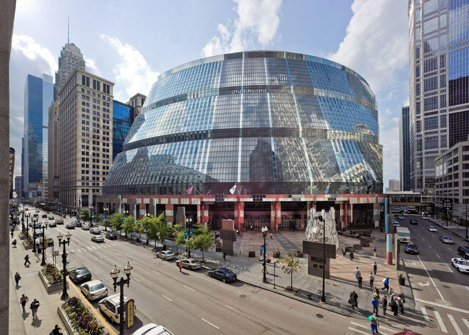 Chicago Modern Architecture helmut jahn's thompson government centre faces demolition