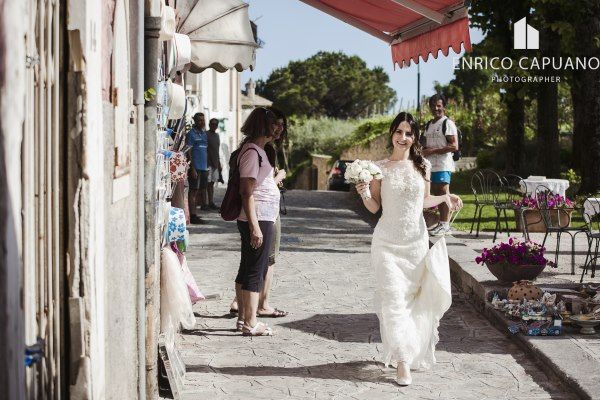 Ravello elopement wedding in the town hall garden principessa di piemonte local wedding planner Mario Capuano and professional wedding photographer Enrico Capuano. A Ravello dream