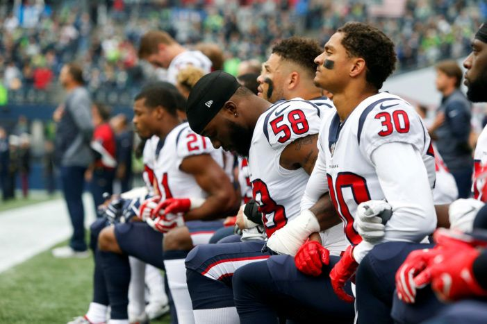 Most Of Nfl S Houston Texans Kneel During Anthem After Owner S Inmates Remark Texans Players Nfl Players Nfl