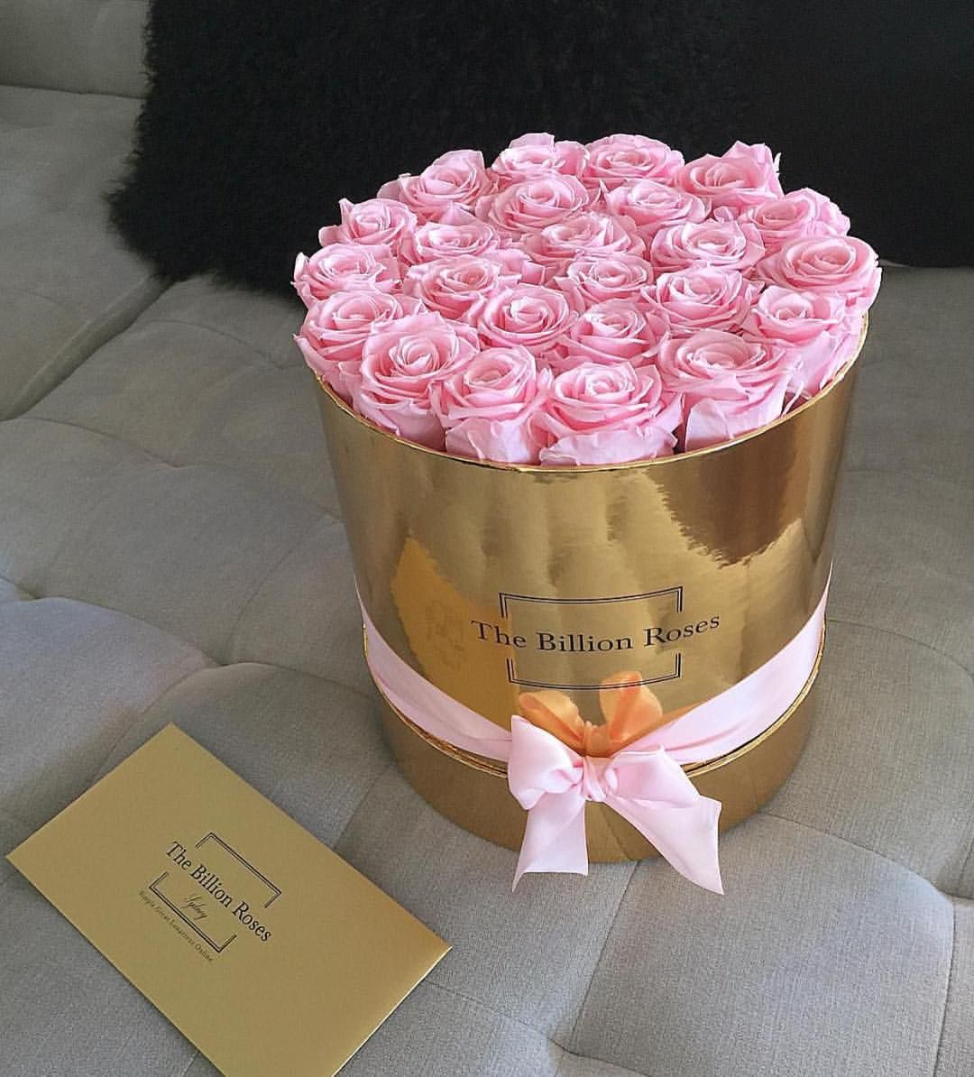 The Billion Roses Official En Instagram Baby Pink Obsession Keiramaguire Luxe Series Roses Billion Roses Flower Box Gift Luxury Flowers