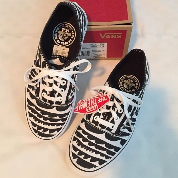 d5697e5085 VANs Wave Print Lace-Up Sneakers hard to find black and white wave print  lace-up VANs designed for the VANs US Open of Surfing in Huntington Beach