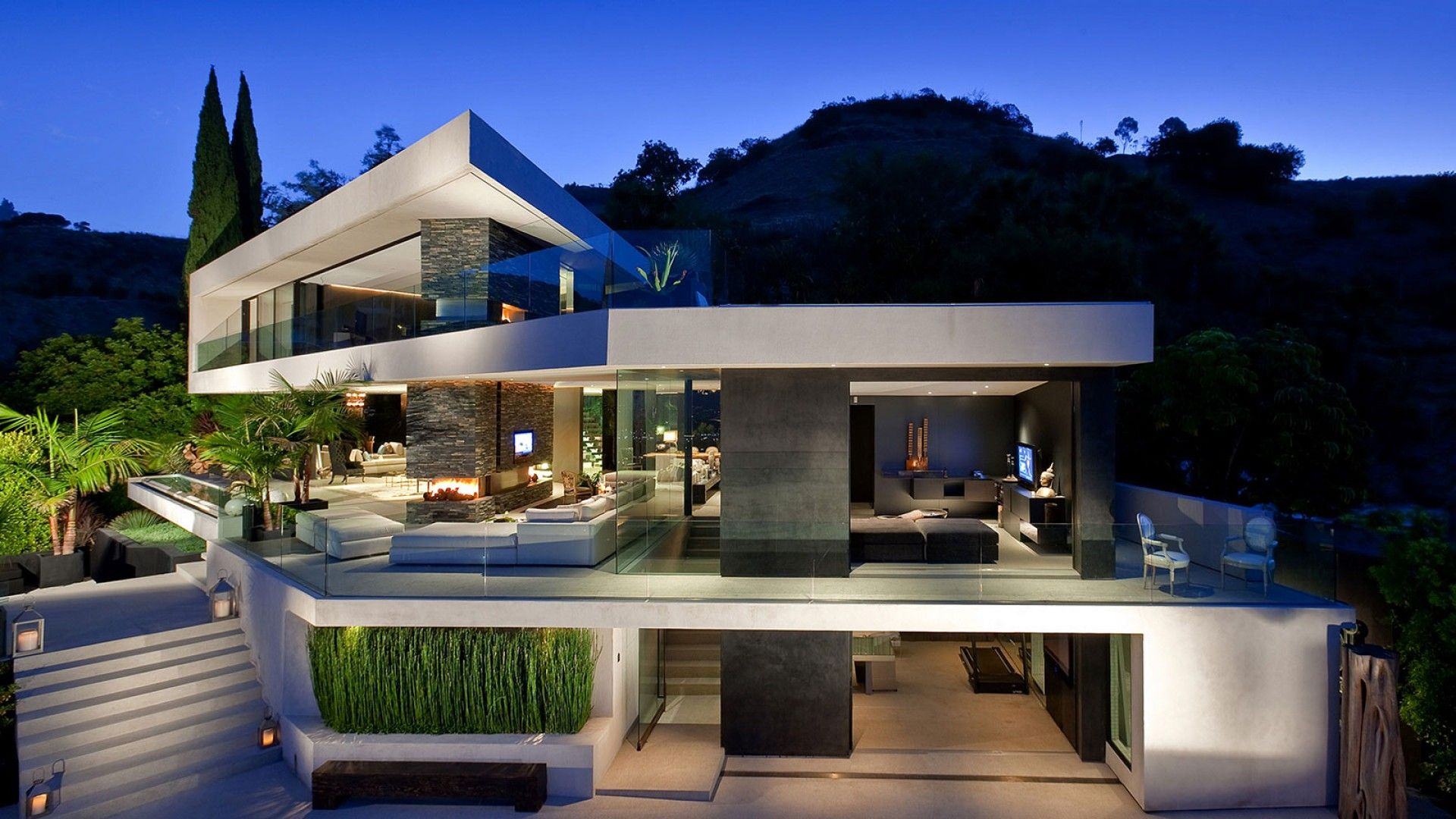 Hollywood hills mansions spectacular hollywood hills for Casa minimalista harborview hills