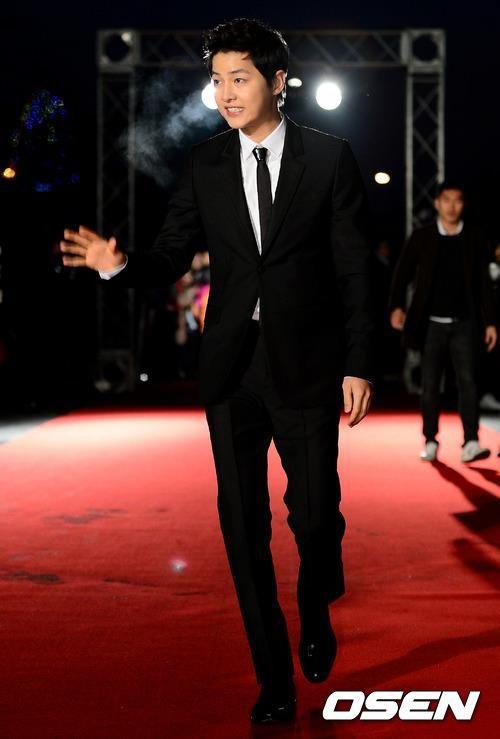 CUTE!!! Song Joong Ki at K-Drama Star Awards