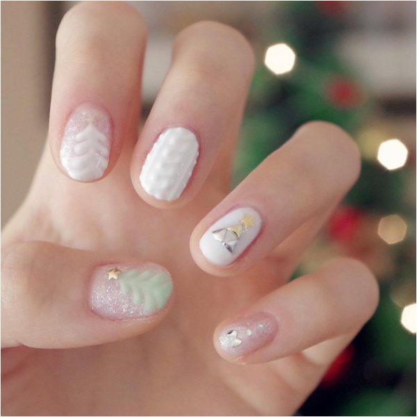 30 Totally Cute Christmas Designs For Short Nails Be Modish Short Gel Nails Gel Nail Art Designs Christmas Nail Art Designs