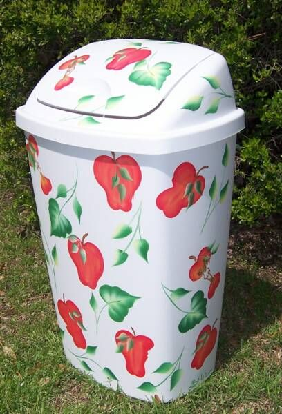 Donu0027 Overdo It On Themes. Do We Love Apples? Is Carrying This Theme Out By  Having An Apple Patterned Garbage Can In Your Kitchen Overkill?