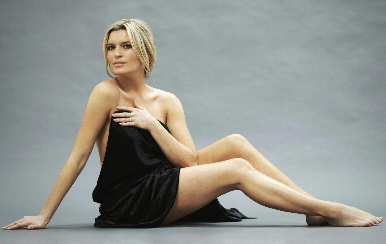 images Tina Hobley (born 1971)