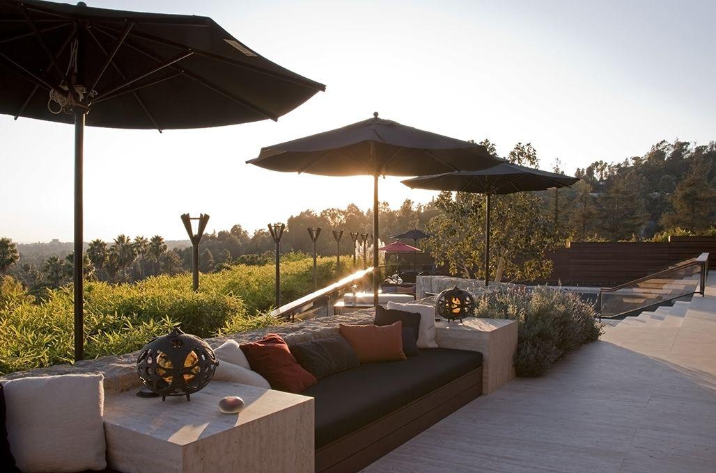 outdoor living jennifer aniston built in sofa lounge