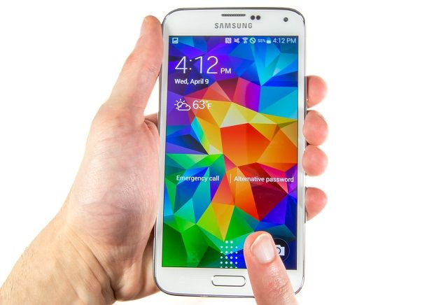 Samsung Galaxy S5 Screen Flickering Issue & Other Related
