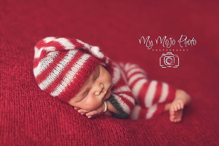 c6ae13093f6b AD-Knitted-Christmas-Baby-Outfits-04. These 17 Newborns Wearing Knitted  Christmas Outfits Will Fill Your Heart With Cheer ...