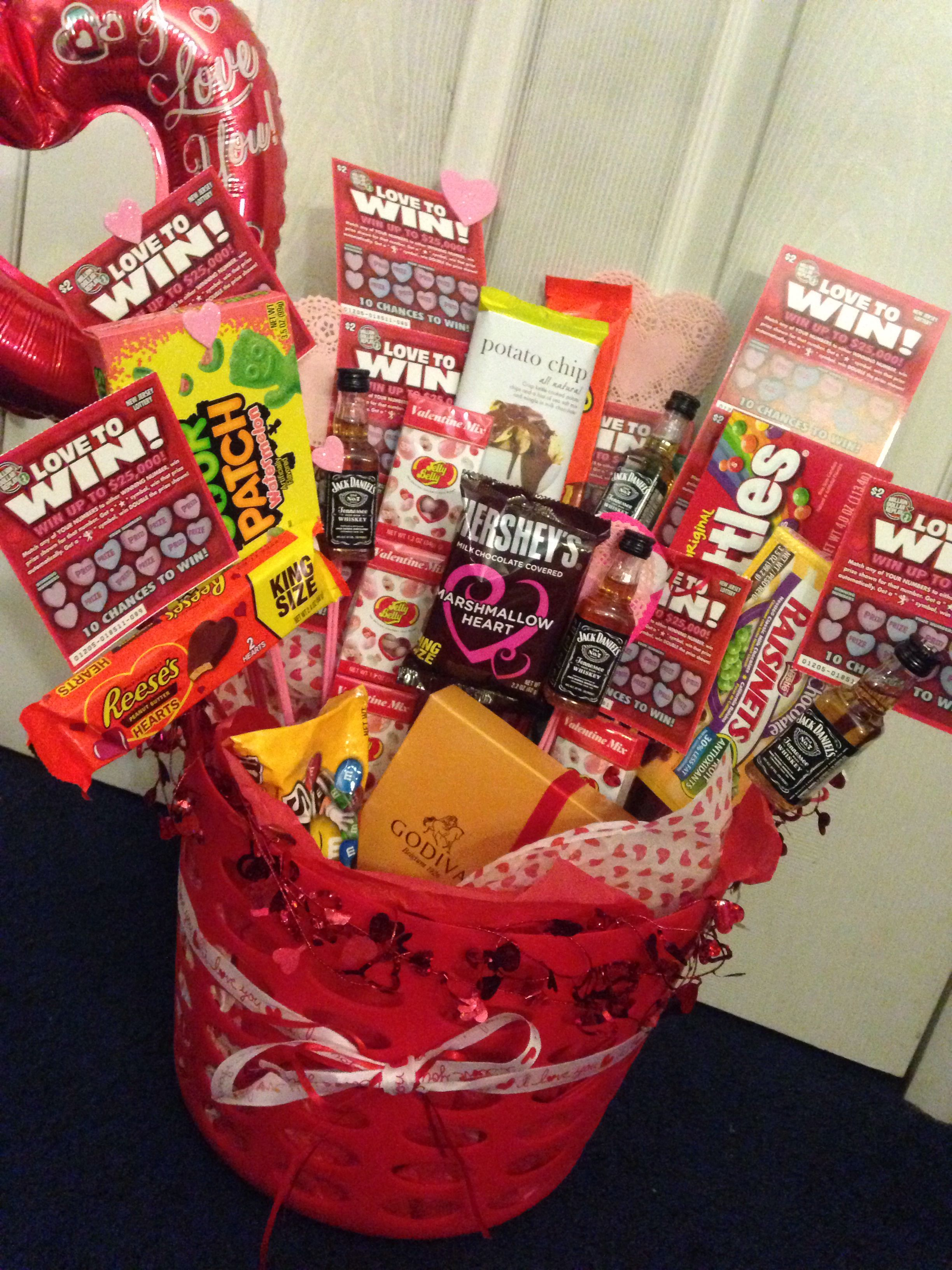 Pin By Alyss Wallschleger On Diy Gifts Valentine S Day Gift Baskets Valentines Candy Bouquet Cute Valentines Day Gifts