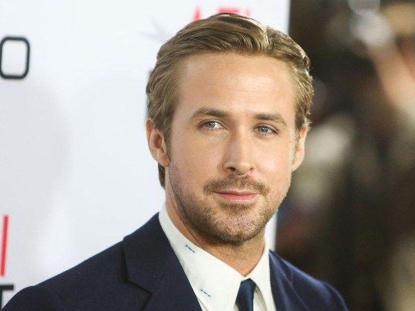 Ryan Gosling Said Working With Emma Stone In La La Land Was Fun Ryan Gosling Haircut Mens Hairstyles Long Hair Styles