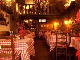 Cucina Tradizionale Piemontese Torino Specialita Carne Taverna Delle Rose Wine Bar Restaurant Table Decorations Restaurant Bar
