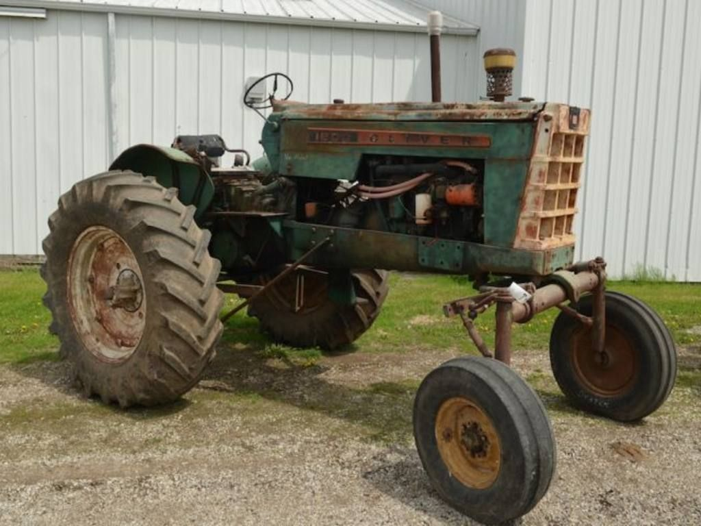 Oliver 1500? (With images) Vintage tractors, Tractor art